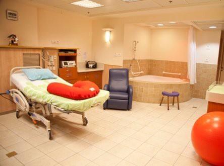 אסף הרופא בדקה הריון ולידה חדר לידה